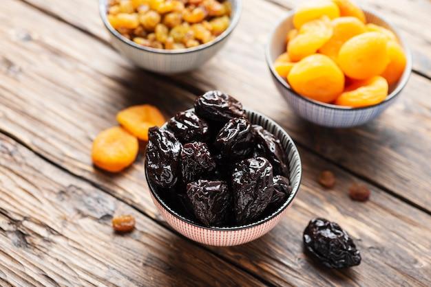 Concepto de comida saludable con frutos secos.