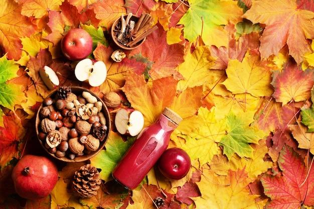 Concepto de comida vegana y vegetariana de otoño. tiempo de cosecha.