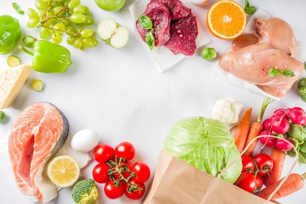Concepto de compra de alimentos saludables con ingredientes alimenticios