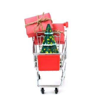 Concepto de compra en línea - carro lleno de regalos. viernes negro y lunes cibernético