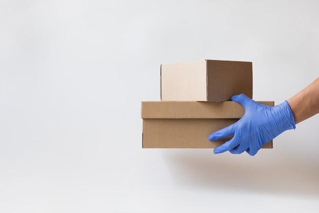 Concepto de compra segura, entrega. coronavirus 2019-ncov.