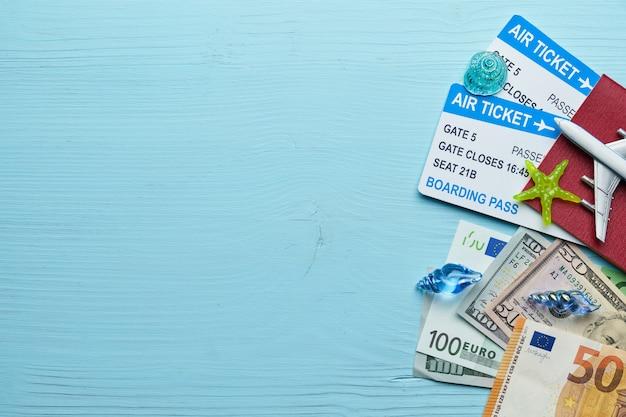 Concepto de compras de vacaciones y en el extranjero en el mar con espacio de copia.