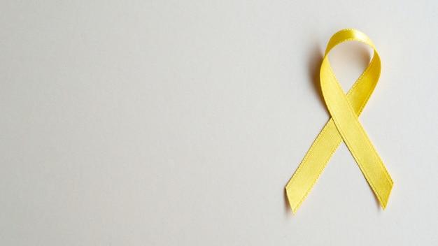 Concepto de conciencia de cáncer de cinta dorada