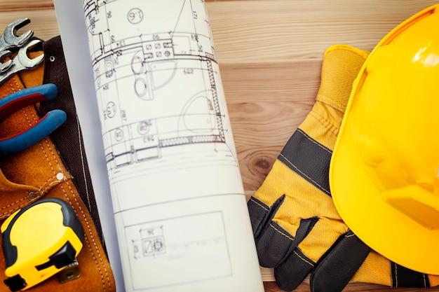 Concepto de construcción con herramientas de trabajo