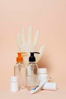 Concepto covid con productos sanitarios