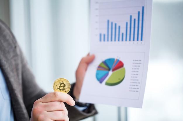 Concepto de crecimiento de bitcoin nuevo dinero virtual
