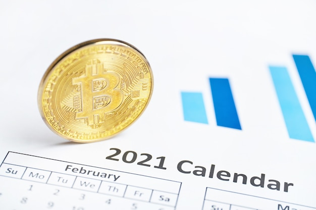 Concepto de criptomoneda bitcoin en el calendario