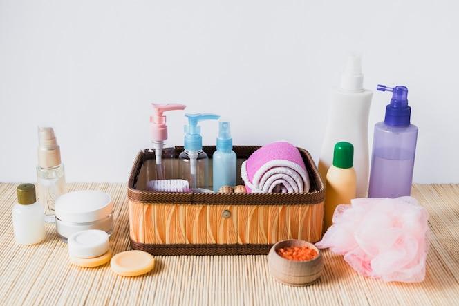 Concepto de belleza con diferentes productos