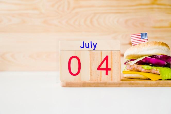 Concepto de comida rápida con calendario