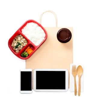 Concepto de servicio de entrega urgente para comida de negocios por pedido en línea en el hogar