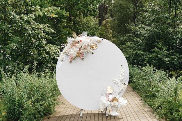 Concepto de decoración para boda y celebración arco redondo para ceremonia de boda
