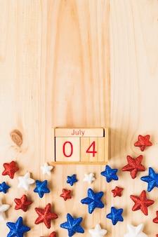 Concepto del día de la independencia de los eeuu con calendario