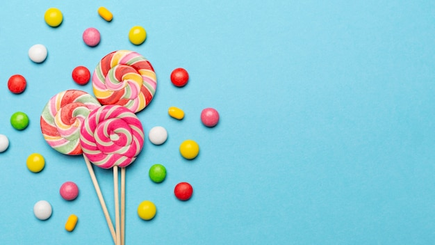 Concepto de delicioso caramelo con espacio de copia