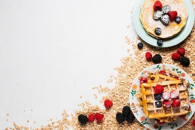 Concepto de desayuno vintage con espacio de copia