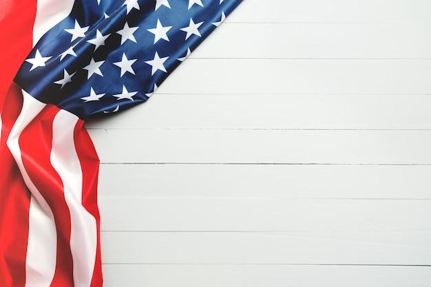 Concepto de día de los caídos y el día de la independencia de estados unidos, bandera de los estados unidos de américa