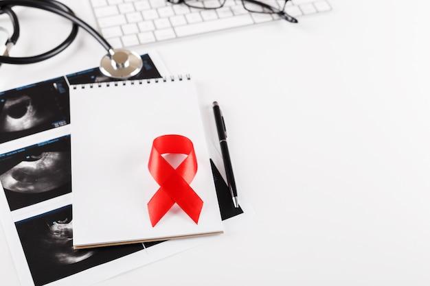 Concepto del día mundial del cáncer