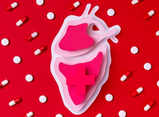 Concepto del día mundial del corazón con medicina
