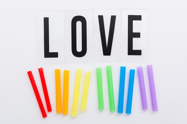 Concepto del día del orgullo amor y pajitas