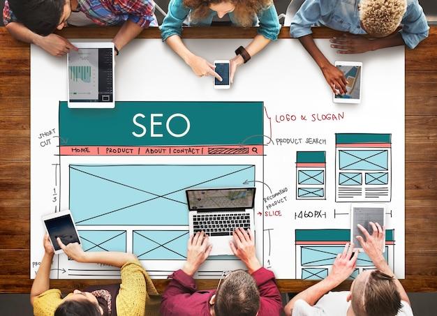 Concepto digital de datos de optimización de motores de búsqueda seo