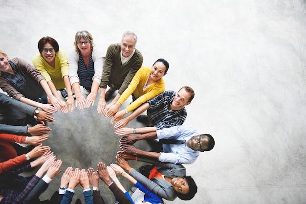 Concepto diverso de la opinión aérea de la conexión de la unidad de la amistad de la gente