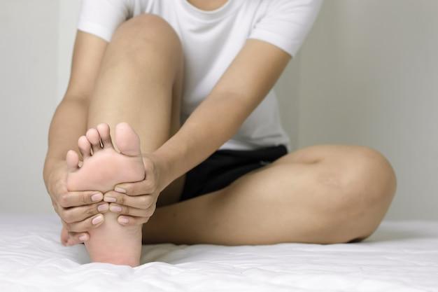 Concepto de dolor en el pie.