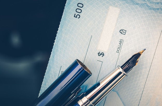 Concepto de emisión de cheques