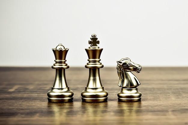 Concepto de equipo de ajedrez de plan estratégico de negocios y trabajo en equipo profesional