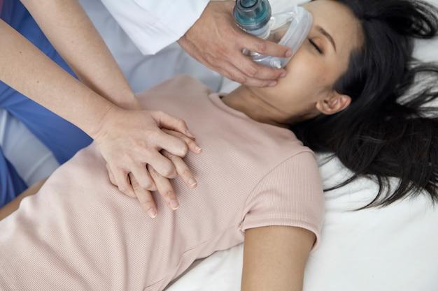 Concepto de equipo médico de emergencia.