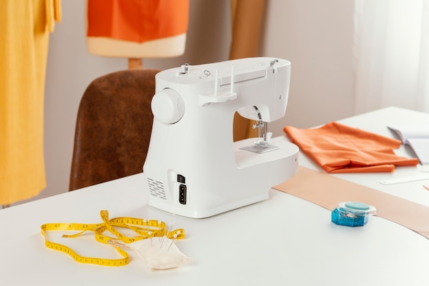 Concepto de espacio de trabajo con máquina de coser