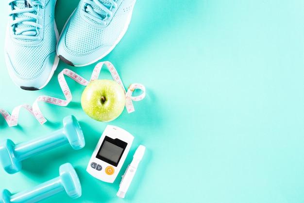 Concepto de estilo de vida saludable, comida y deporte