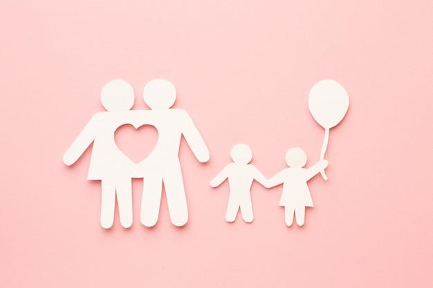Concepto de figura familiar con hijos