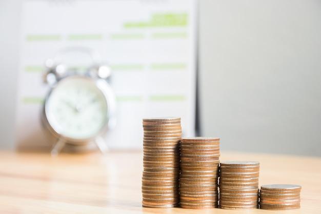 Concepto de finanzas empresariales, inversión, ahorrar dinero