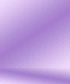 Concepto del fondo del estudio - fondo púrpura del sitio del estudio de la pendiente ligera vacía abstracta para el producto. Foto gratis