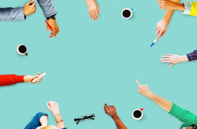 Concepto de gente de negocios de planificación de comunicación de reunión