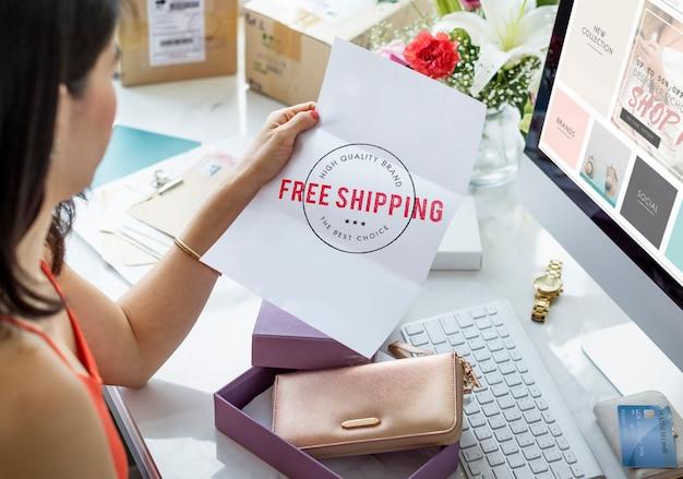 Concepto gráfico de sello de entrega de envío gratis