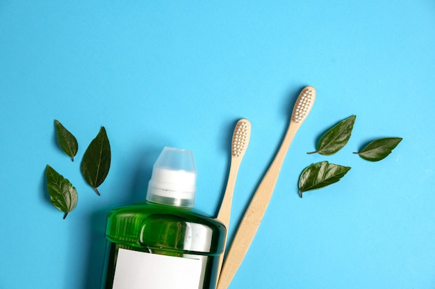 Concepto de higiene de los dientes. lay flat, copia espacio