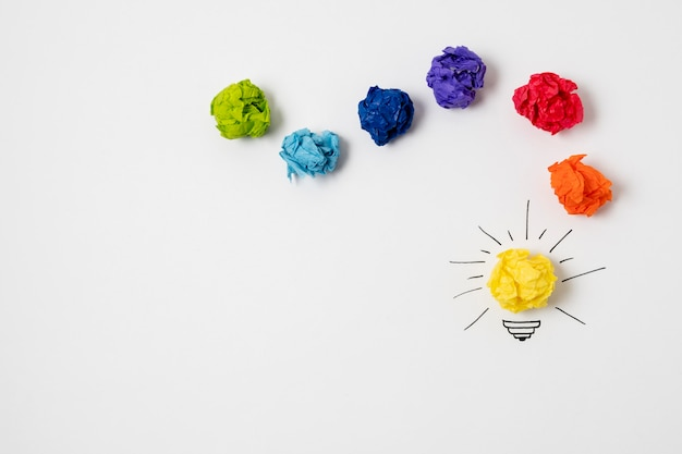 Concepto de idea con bombilla
