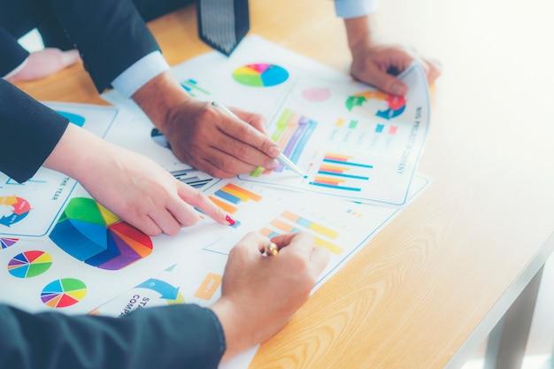 Concepto del informe de trabajo del negocio de la reunión de reflexión del análisis