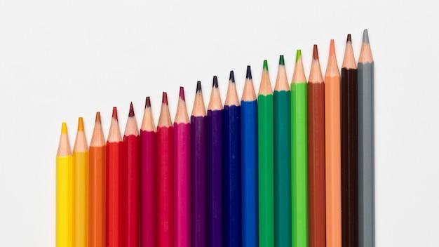 Concepto de lápices de colores con espacio de copia