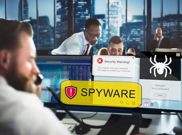 Concepto de malware de virus spyware hacker informático