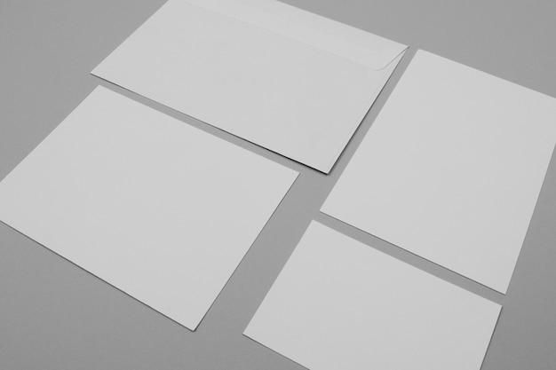 Concepto de marca de alto ángulo con papel