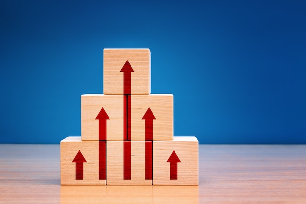 Concepto de mejora empresarial, desarrollo personal y crecimiento.