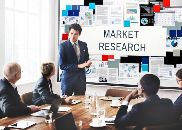 Concepto de necesidades de información del consumidor de investigación de mercado