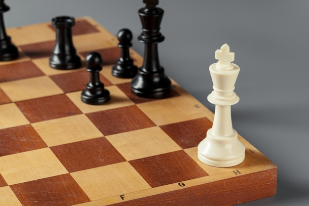 Concepto de negocio de ajedrez a bordo