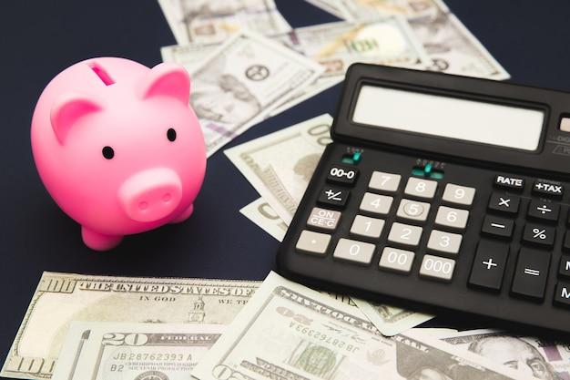 Concepto de negocio, finanzas, inversión, ahorro y corrupción