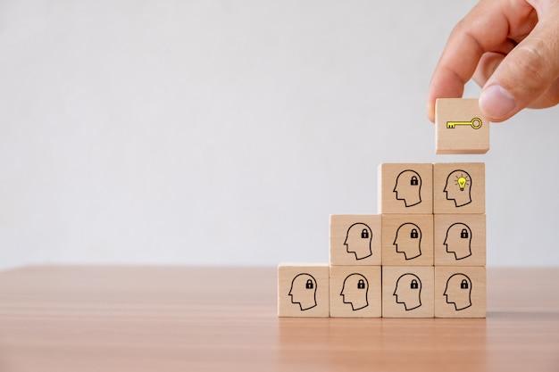 Concepto de negocio de idea creativa e innovación.