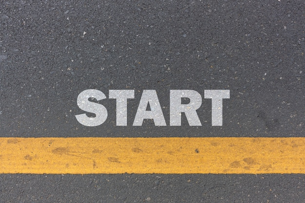 Concepto de negocio. línea de salida en el camino
