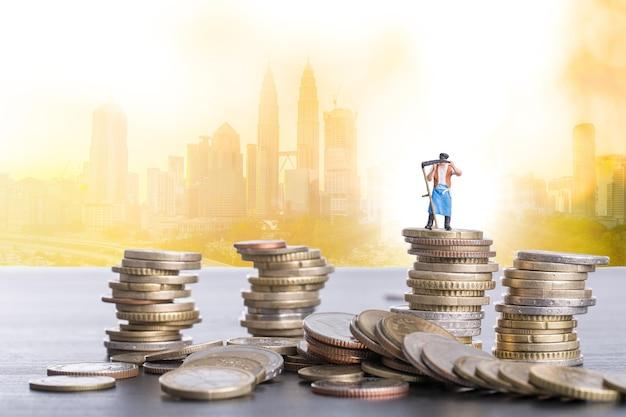 Concepto de negocio de mejora para la estrategia de desarrollo de su objetivo y financiero.
