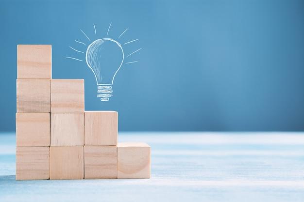 Concepto de negocio de la trayectoria profesional de la escalera y el proceso de éxito del crecimiento