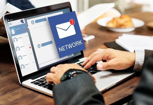 Concepto de notificación de mensaje envolvente de carta